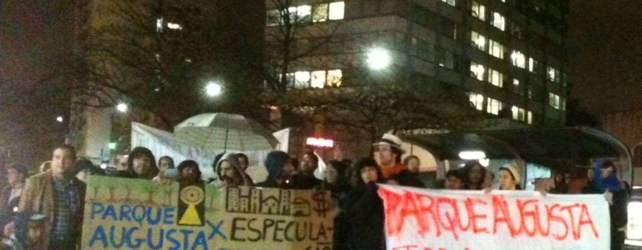15 de agosto - Moradores protestam contra possível venda de parque da rua Augusta