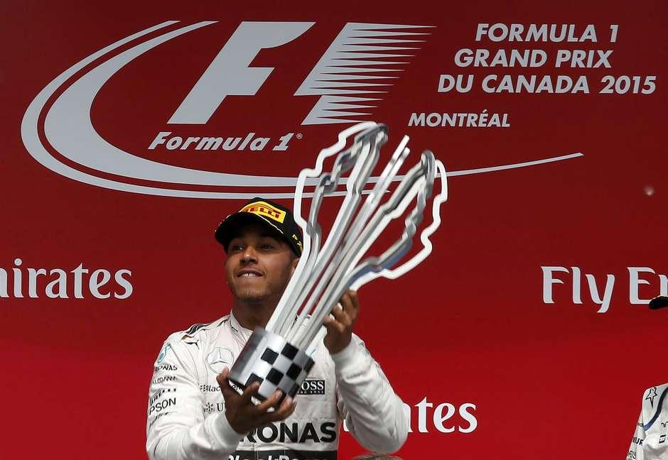 """Hamilton celebra vitória após jejum e decepção: """"precisava"""""""