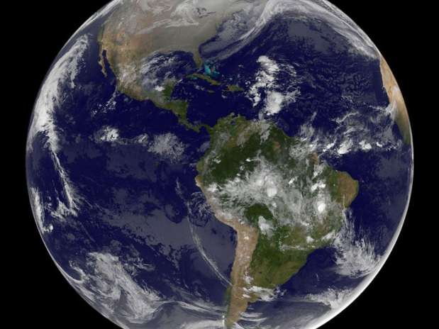 Imagem de satélite mostra o continente americano na manhã de Natal Foto: Nasa / Divulgação