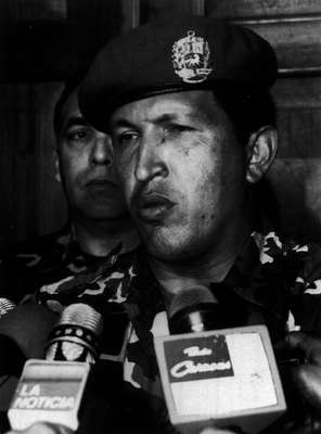 4 de febrero de 1992. Cuando da el golpe de estado. Es la primera aparición pública de Chávez, hasta ese momento nadie sabía quién era él.