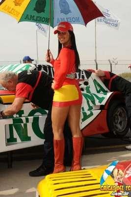 Fotos Chicas de Chevrolet y Dodge en el TC 2012