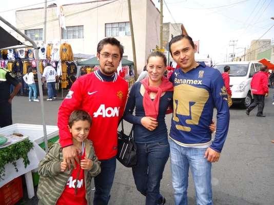 Seguidores de Pumas y Toluca conviven en La Bombonera