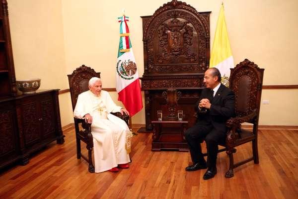 El Papa Benedicto XVI y el presidente de México, Felipe Calderón Hinojosa, iniciaron un encuentro privado en la Casa del Conde Rul de Guanajuato, sede de la representación del gobierno de ese estado.