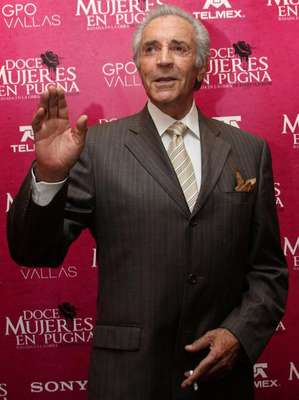 El actor Julio Alemán falleció el 11 de abril de 2012. Su carrera artística se extendió por casi seis décadas y abarcó actuaciones en cine, teatro y televisión.