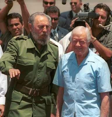 Además de sus amistades con líderes políticos, Fidel Castro es conocido por elegir como amigos a algunos de los mejores representantes del arte y los deportes. En la foto, con el ex presidente estadounidense Jimmy Carter, Premio Nobel de Paz en 2002.