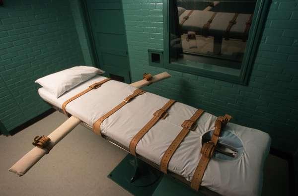 Texas es uno de los estados más severos en cuanto a la aplicación de la pena de muerte. Para el 26 de abril, está prevista la ejecución de Beunka Adams, un afroamericano condenado por un asesinato ocurrido hace casi diez años. Será en Huntsville, donde hasta el año pasado, se han ejecutado más de 480 reos desde que se reinstauró la pena capital en Estados Unidos en 1976.