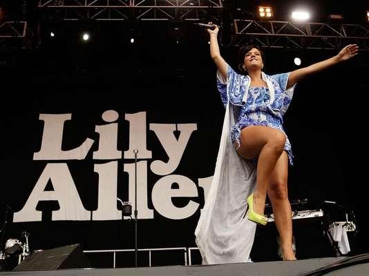 Para algunos cantantes, internet fue la puerta que les permitió acceder al éxito. En esta lista encontrarás algunos ejemplos, como Lily Allen, quien fue descubierta por publicar en su red MySpace, algunos demos que la cantante grabó en el sótano de su casa.