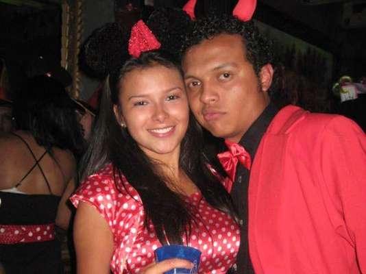 El joven Luis Andrés Colmenares falleció en circunstancias que son materia de investigación la madrugada del 31 de octubre de 2010, tras haber asistido a una fiesta de disfraces en la denominada Zona T de Bogotá. Mientras que la Fiscalía afirma que se trató de un homicidio, Laura Moreno (en la foto) y Jessy Quintero han declarado que fue un accidente.
