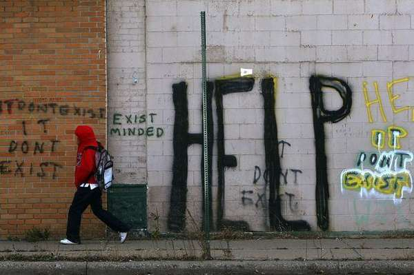 El FBI anunció que los crímenes violentos disminuyeron un 4% en Estados Unidos, en comparación a 2011. Sin embargo, los datos indican que los crímenes violentos aumentaron en más de la mitad de las ciudades cuyos estados lideran el ranking. Estas ciudades se caracterizan por tener altos niveles de pobreza, alto desempleo y bajo ingreso medio.
