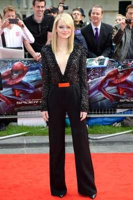 Emma Stone empieza la promoción de la nueva película de Spider-Man. La actriz ha estado presente en las premieres de la cinta luciendo súper sexy y sensual.