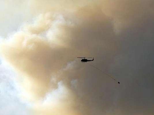 El incendio forestal que está asolando el norte del estado de Colorado, Estados Unidos, desde hace dos semanas ya ha destruido 248 viviendas y ha quemado hasta el momento más de 33.670 hectáreas, informó el diario local The Denver Post.