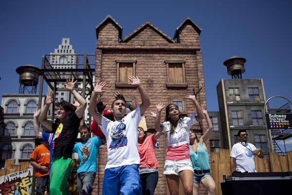 Bailes callejeros, actuaciones... Rock in Rio es mucho más que conciertos: Es puro espectáculo