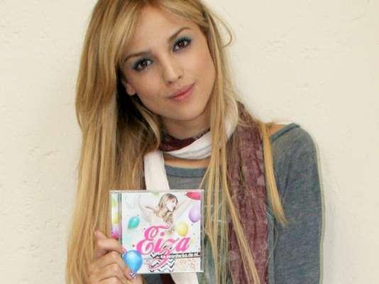 """Eiza González muestra un lado más sincero y personal en su nueva producción discográfica """"Te Acordarás de Mi"""", la cual presentó oficialmente en México."""