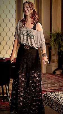 O sutiã preto que Débora (Nathalia Dill) usa em Avenida Brasil é da Espaço Fashion, Preço: R$ 55. Informações: (11) 5181-2334