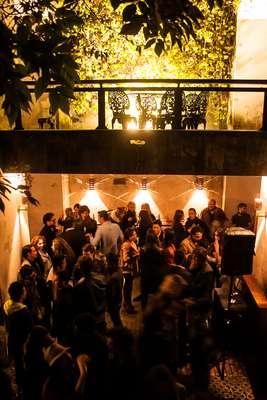 En un bar situado en la Candelaria y tras la presentación de la ley de cine por parte del presidente, se reunieron para celebrar, los protagonistas del cine colombiano.