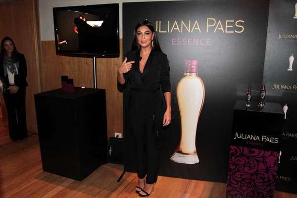 A atriz Juliana Paes agora é dona de uma fragrância que leva o seu nome, a Juliana Paes Essence