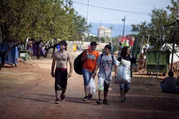 La gente trae sus víveres para aguantar las dos jornadas.