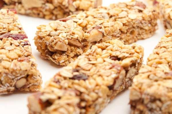 """Com a correria das grandes cidades e do trabalho, nem sempre há tempo e lugar para comer de forma saudável. """"É fundamental ter em mãos barrinha de cereal integral rica em proteínas e de baixa caloria"""", recomenda o nutricionista Ricardo Zanuto"""