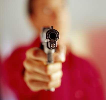La masacre del cine de Colorado fue simple: James Holmes irrumpió en la sala llena de gente y comenzó a los tiros: mató a 13 personas y dejó heridas a 58. La polémica volvió a instalarse una vez que las lágrimas se secaron: ¿es el fácil acceso a las armas una de las causas de este tipo de hechos? En esta fotogalería, un repaso de los Estados de fácil acceso a las armas y su relación con la cantidad de hechos de similares características.