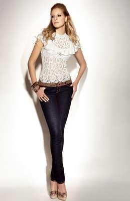 La presentadora, modelo y ahora empresaria Laura Acuña, incursiona en el mundo de la moda lanzando su propia marca de ropa.