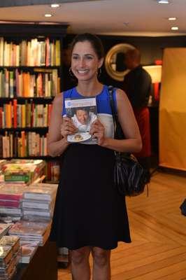 Na noite desta sexta-feira (17), a atriz Camila Pitanga prestigiou o lançamento do livro 'As Melhores receitas do Que Marravilha!', do chef Claude Troisgros