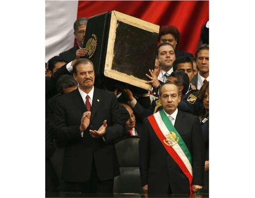 Probablemente, Luis Calderón Vega -uno de los fundadores e ideólogos de Acción Nacional, así como militante de tiempo completo-, nunca imaginó que su hijo Felipe de Jesús Calderón Hinojosa llegaría a ser presidente de México. Te presentamos algunos aspectos de la vida política del jefe del Ejecutivo, antes de llegar a la silla presidencial.