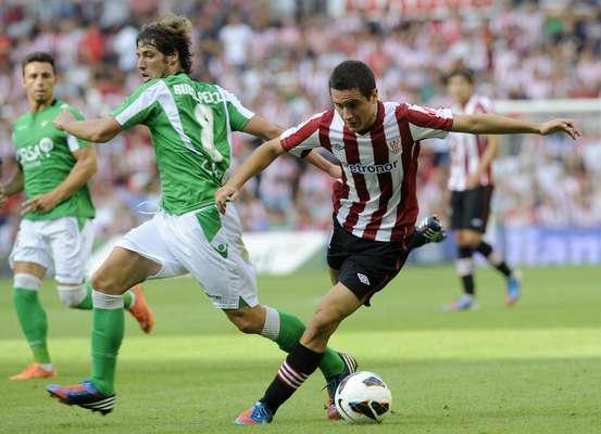 Betis se metió a la cancha del estadio San Mamés y doblegó al Athletic de Bilbao por pizarra de 5-3, en el inicio de la edición 2012-2013 de la Liga BBVA