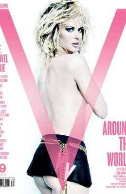 Aparecen nuevas fotos de Nicole Kidman desnuda en V Magazine. Nicole Kidman sorprende con su aparición en la portada de V Magazine de septiembre.