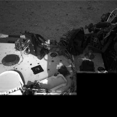 La Nasa divulgó las primeras imágenes en color y alta resolución tomadas por el vehículo Curiosity en Marte, que muestran un montón de capas de roca donde los científicos estudian centrar su búsqueda de ingredientes químicos de la vida en el Planeta Rojo. (Con texto de Reuters)