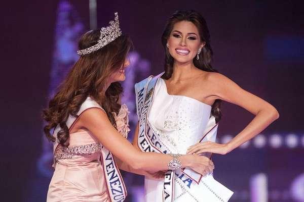 La representante del estado Guárico, María Gabriela Isler, fue coronada esta noche como la nueva Miss Venezuela, sucediendo en el trono a Irene Esser. La nueva soberana representará al país en próximo certamen de Miss Universo 2013.