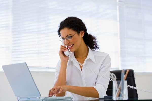 Trabalhar pode ser estressante e cansativo, mas também representa benefícios à saúde. Confira abaixo cinco deles, listados pelo jornal 'The Huffington Post'