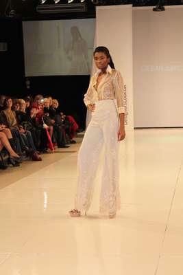 El diseñador César Juricich presentó su colección Pensamientos con la propuesta para la Primavera-Verano 2012/2013 en la segunda edición de Designers Look Buenos Aires , el evento organizado por el empresario Guillermo Azar, que será escenario de la moda hasta el martes 11 de septiembre.