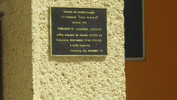La lucha entre los carteles de droga a hecho que se derrame mucha sangre en México. Unas 60,000 personas han muerto en esta guerra sin cuartel. Entre las bandas de narcotraficantes, una de las más temerarias es la de Los Zetas, liderada por Heriberto Lazcano (alias El Lazca o Z3) y Miguel Ángel Treviño Morales (alias Z40). La Procuradoría General de México ha dicho que están divididos, pero mientras se rumora que esto puede debilitar al cartel; la sangre derramada no se se puede recobrar.