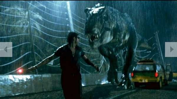 """El portal """"Total Film"""" escogió las mejores escenas de """"persecución"""" presentes en la historia del cine. El primer lugar se lo llevó el temible Tiranosaurio Rex de Jurassic Park (1993) que incluso descubre a una de sus víctimas sentado en la taza del baño."""