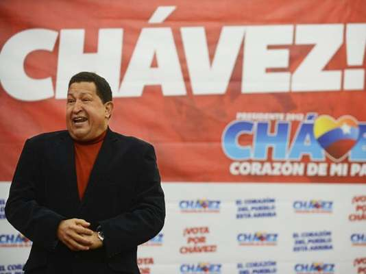 Si logra vencer las elecciones el siete de octubre para el mandato 2013-2019, Hugo Chávez podría completar 20 años en la presidencia de Venezuela. El dirigente, quien desde hace 14 años a puesto en marcha lo que denomina revolución socialista del siglo XXI, logró en 2009 la aprobación popular para instituir el referéndum que le otorga al presidente de ese país el poder de reelección ilimitada.