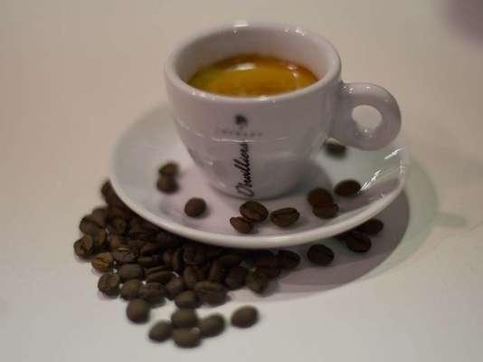 A sétima edição do Espaço café Brasil, a maior feira do setor da América Latina, reuniu cerca de 80 marcas no Expo Center Norte, em São Paulo. No evento, que vai até sábado (6), as empresas apresentam as novidades e o melhor de suas produções. Confira alguns rótulos de cafés especiais encontrados na feira