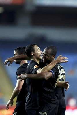 Académica venció al Atletico de Madrid en Portugal por 2-0.