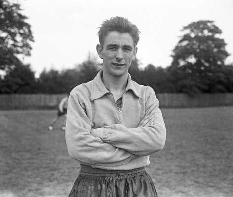 Biran Clough era un delantero sumamente capaz; inició su carrera en el Middlesborugh, a los 16 años.