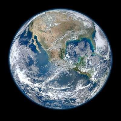 """Un equipo internacional de astrónomos ha descubierto una nueva supertierra potencialmente habitable a sólo 42 años luz de distancia de nuestro planeta, según un estudio que será publicado en """"Astronomy & Astrophysics""""."""