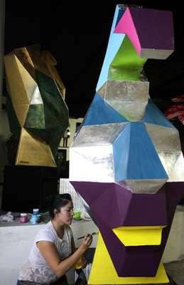 Unas 200 esculturas de fibra de vidrio con la figura del líder maya Pakal serán instaladas a partir del 21 de diciembre en diversas plazas públicas mexicanas y aeropuertos del mundo como parte del proyecto artístico Mayan Parade.