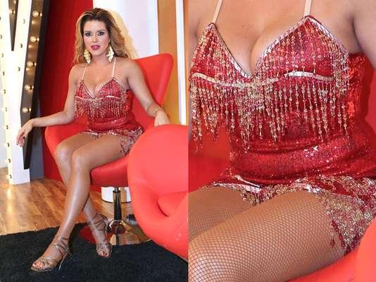 """Que rechoncha! Parece que Alicia Machado no ha podido quemar suficientes calorías en """"Mira Quien Baila."""" La ex Miss Universo lucio unas llantitas de más en el """"backstage"""" del reality show en Miami, Florida."""