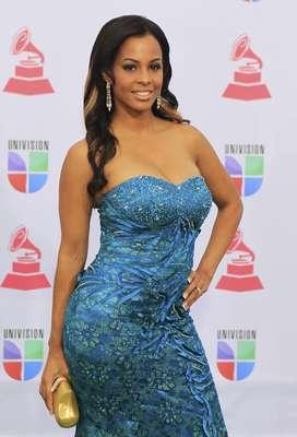 Model Carolina Catalino arrives to the 13th Latin Grammy Awards in Las Vegas, Nevada November 15, 2012.