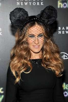 Sarah Jessica Parker inauguró la temporada navideña en los almacenes Barneys en Nueva York.