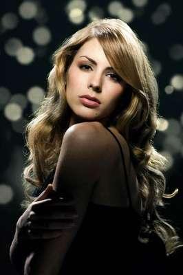 Nathalie Den Dekker fue designada para representar a la nación europea y la belleza de la mujer holandesa en el certamen de Miss Universo 2012.