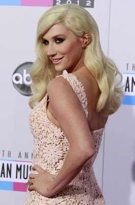 Singer Kesha arrives at the 40th American Music Awards in Los Angeles, California, November 18, 2012.
