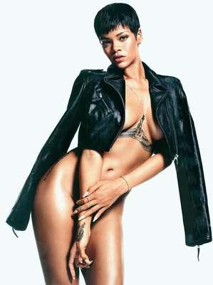 Rihanna. La cantante barbadense encabeza nuestra lista de bellezas de ébano. Su piel canela y su belleza éxótica la colocan en la cima de nuestro listado.