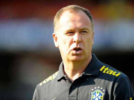Mano Menezes fue despedido de su cargo como técnico de la Selección Brasilera de Fútbol, dos años después de su nombramiento. Menezes fue el responsable de poner a Neymar como titular de Brasil y era la gran esperanza para comandar el equipo en el Mundial de 2014. Conozca los principales candidatos a reemplazarlo.