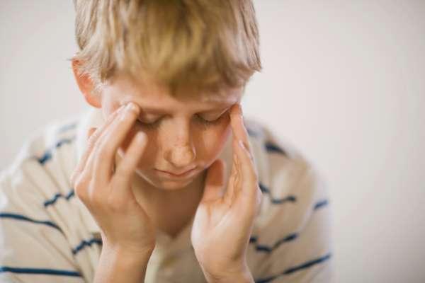 Se ha convertido en un escenario clásico: Tienes dolor de cabeza y, después de investigar encuentras que un dolor de cabeza puede ser un signo de un tumor cerebral. Si te diriges a emergencias sospechando que tienes un tumor o algo grave, las posibilidades de que entres en paranoia son grandes. Pero en algunas ocasiones, tal vez podrías estar en lo correcto.