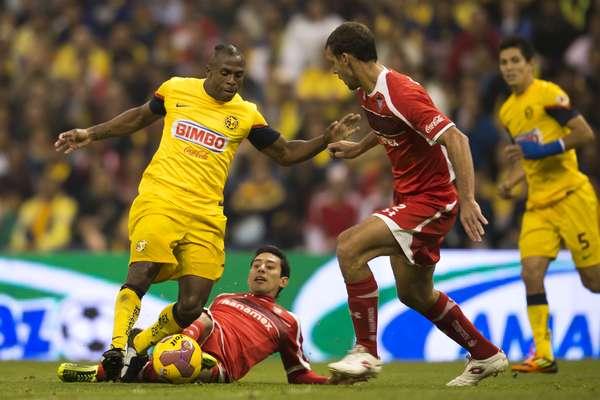 Los partidos de semifinales iniciaron con el duelo en el Estadio Azteca entre América y Toluca