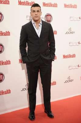 El museo Reina Sofía de Madrid se vistió anoche de gala para acoger los premios Hombres del año Men's Health. Mario Casas fue reconocido en la categoría de mejor actor de cine. Acudió sin su novia, María Valverde.